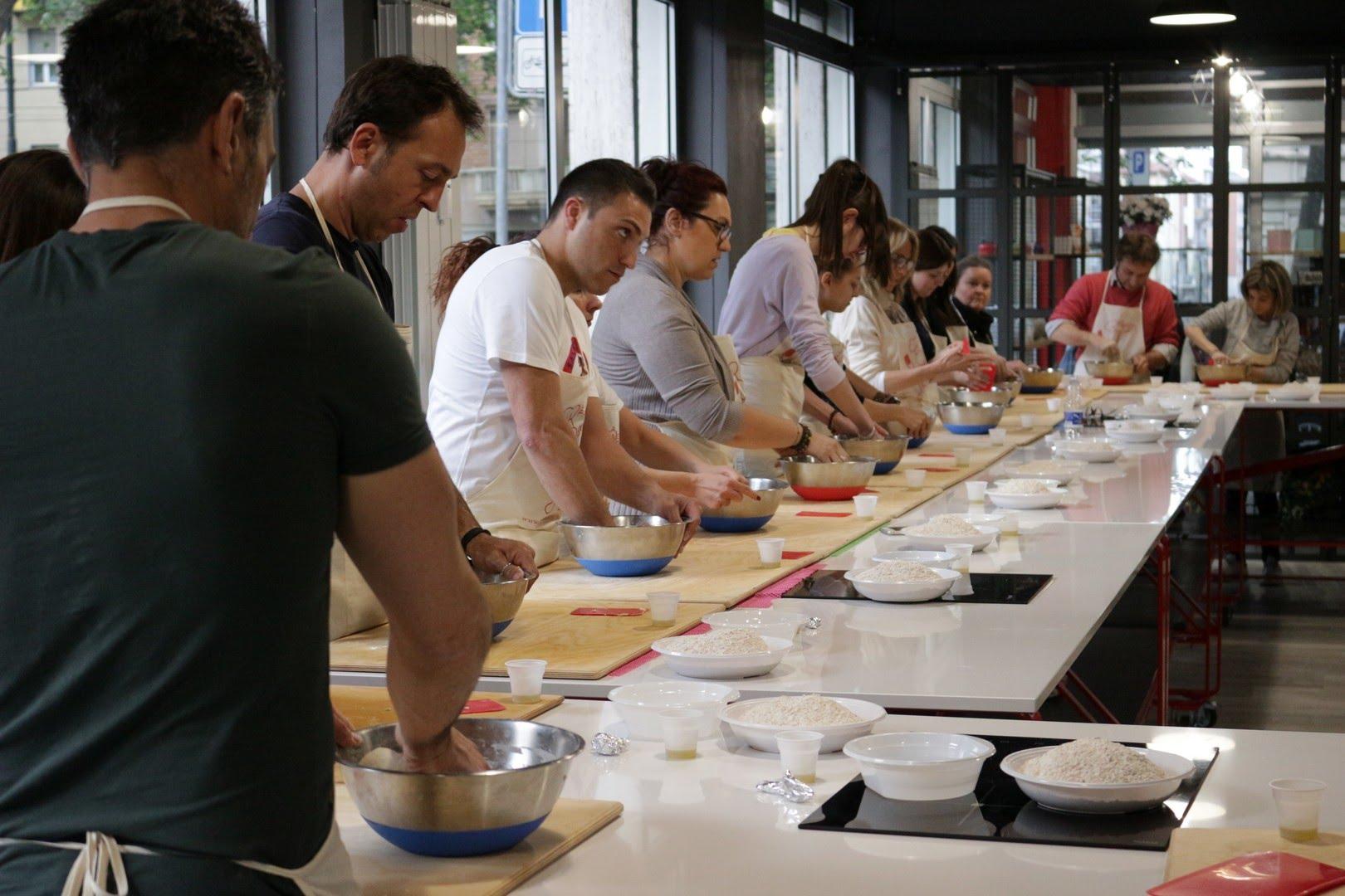 Cosa Cucinare Per Molte Persone corsi di cucina per principianti | la palestra del cibo
