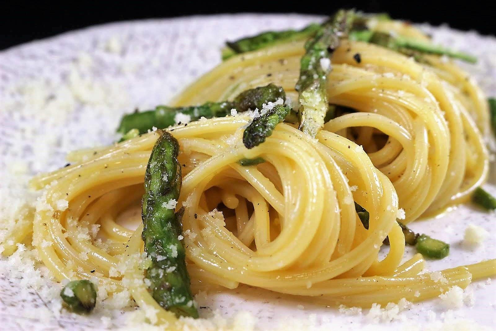 carbonara, Carbonara vegetariana di asparagi