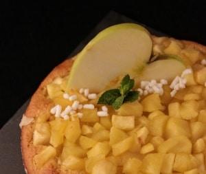 torta di mele e yogurt con farina di mais
