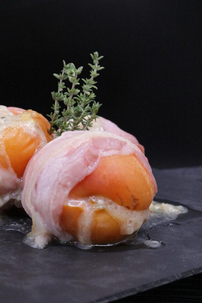 Bocconcini di albicocche al gorgonzola