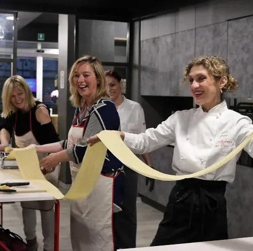 team building in cucina a torino la palestra del cibo scuola di cucina
