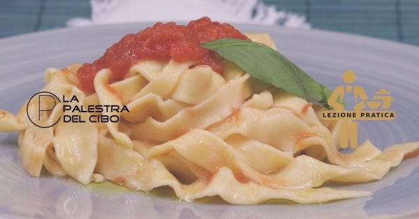 corso di pasta fresca fare la pasta fresca scuola di cucina torino la palestra del cibo corso di cucina di base sfoglia all'uovo tradizionale per pasta fresca